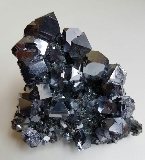 Dense aggregate of well-defined Galena crystals with great brilliancy.