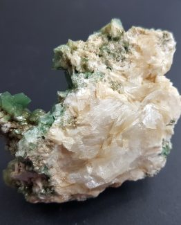 Celadonite and Heulandite