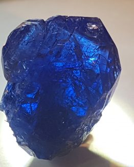 Splendid twin of Tanzanite crystals, gem quality.