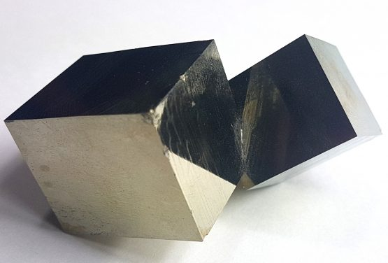 A floating twin of Pyrite